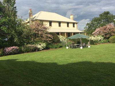 Homestead stays in vineyard, events and weddings