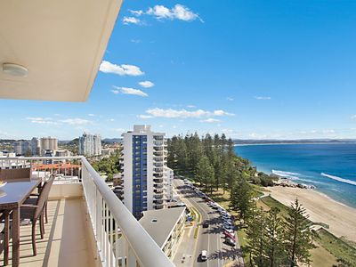 Rainbow Place unit 43 - Top floor apartment with views along the whole Gold Coas