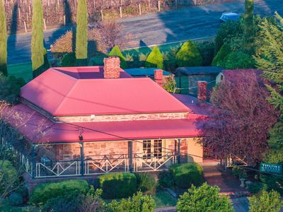 Vineyard cottage Gumeracha aerial close