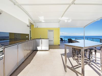 Private Rooftop Granite Kitchen, Full Size Fridge, BBQ & Dishwasher