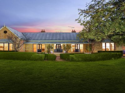 Sutton Downs - renovated country home on 100 acres