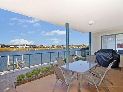 Dolphins 2, 7 Commodore Crescent,