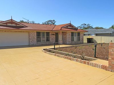 'Salamander Way', 99a Salamander Way - fantastic duplex close to Horizons Golf R