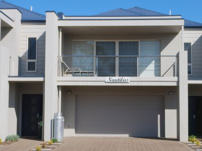 Nautilus Port Elliot, executive standard 4 bedroom quality holiday destination