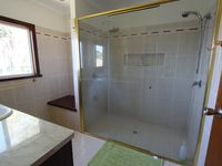 Large main bathroom for upstairs bedrooms