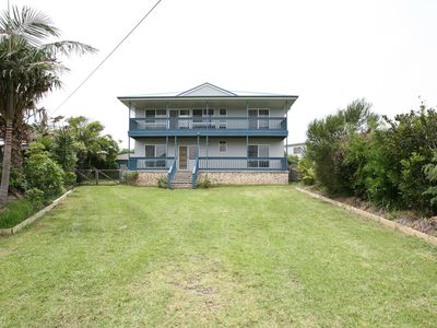 Flip Flop Inn - Spacious home in town - welcomes families, fishermen and pets -