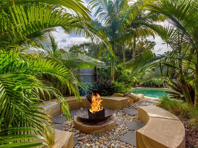 11 Satinwood Drive - Family home, saltwater swimming pool, sandstone fire pit, m