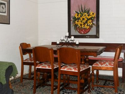 dining for six guests