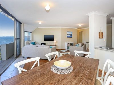 Spectacular Views & Walking distance to the beach