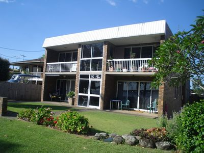 Renovated Ground Floor Apartment - 2/145 Sylvan Beach Esp, Bellara