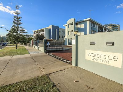 Waterside Apartments by The Swan River
