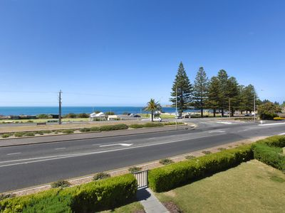9 The Gallery - Central Location with Gorgeous Sea Views