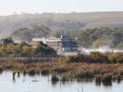 Watch the beautiful Murray Princess steam up the Murray