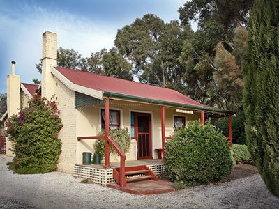 Two bedroom vineyard workers cottage - Trinity Cottage Barossa