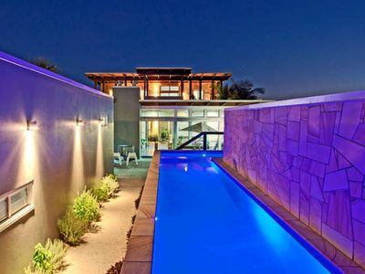Entrance and sparkling pool