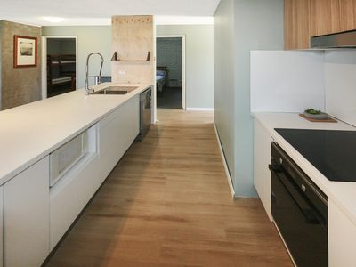 Sunrise Mountain Village Apt 19 - Newly renovated for Winter 2017