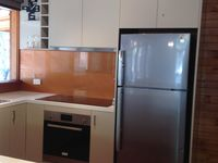 MODERN, BRIGHT & FULLY EQUIPPED KITCHEN