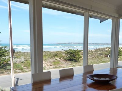 Willows Beach House - fabulous views