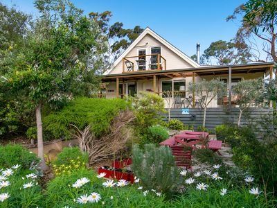 Welcome to Eco-Beach, Dromana - artist's retreat with bay views