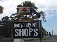 The entrance to Jindyandy Mill Shopping village