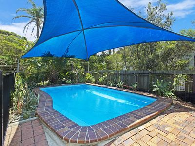 Poolside - Holiday Accommodation