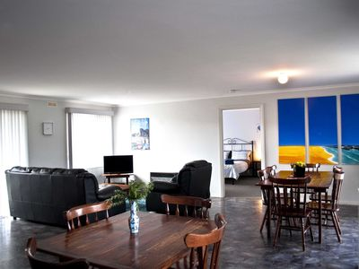 Open plan lounge and dinnind area