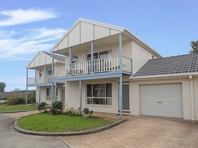 18 'Sandcastles', 23  Robinson St - so close to the beach