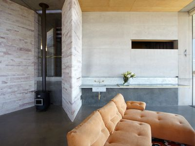 ANGEL WING - Contemporary Hotels