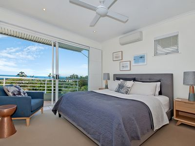 Master King Bedroom with Ocean Views & private Ensuite - Upper level