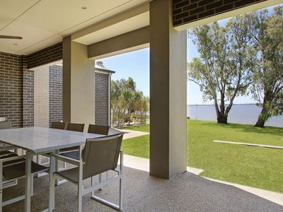 Absolute waterfront on Lake Mulwala