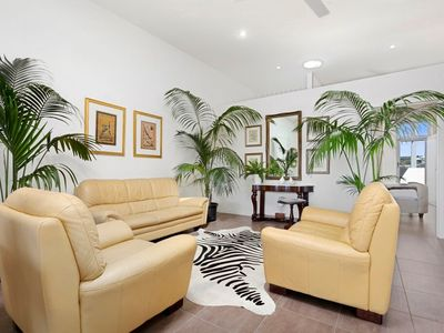Peregian Studio- Central, Private and Luxurious