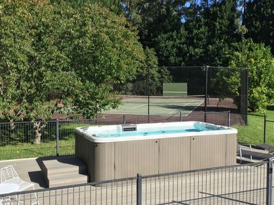 Plunge pool swim spa & tennis court
