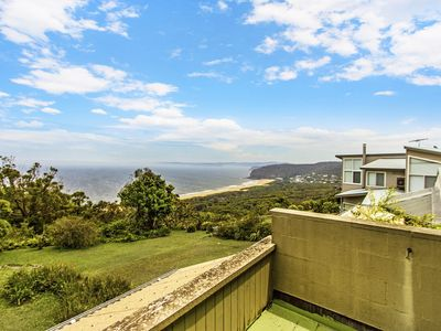 OCEAN VIEWS - Killcare Heights, NSW