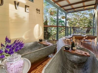 gorgeous vintage outdoor private baths