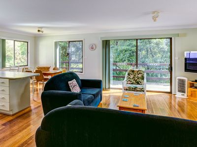 Cedar Cottage at Hyams Beach - Pay for 2, Stay for 3 + 4pm Check Out Sundays