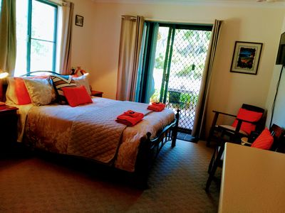 Priv apartment direct access to outside cooking dining gardens walkway to beach