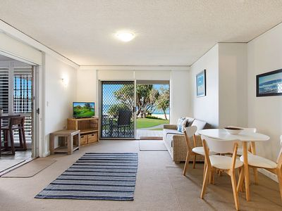 Diamond Place 1 - Absolute Beachfront