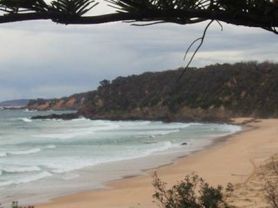 Sunny Daze - Beachfront headland with spectacular views - in town & affordable -