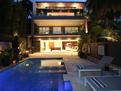 3 storey luxury beach retreat with pool, close to beach and restaurants