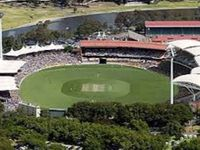 2 train stops to iconic Adelaide Oval