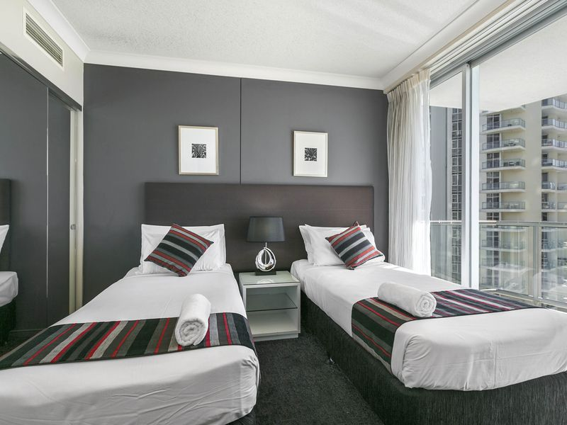Bedroom Apartment Chevron Towers A Surfers Paradise Resort Stayz