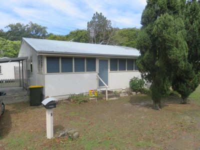COL'S COTTAGE - 300 METRES TO THE BEACH