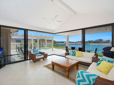 Nirvana Waters - Luxurious waterfront haven