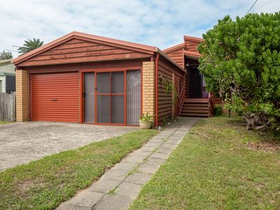10 Kingston Place TOMAKIN  NSW  2537