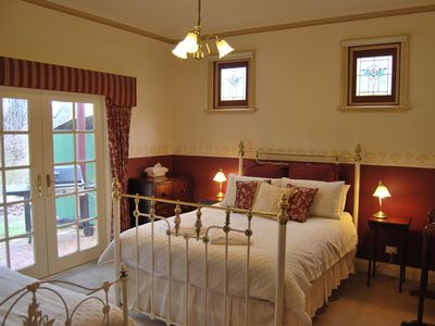 Bed Room 1 - Luxury Queen bed with ensuite. PLUS King single bed.