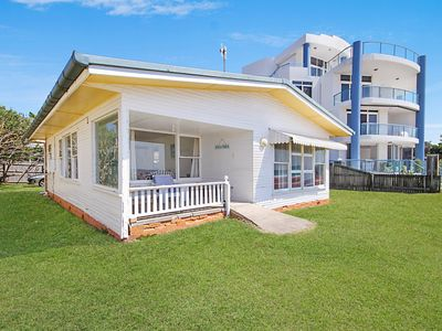 Tugun Surf Shack - Absolute Beachfront