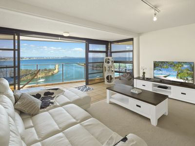 The Penthouse - Ocean Views, Private Spa and Sauna and Complimentary WiFi