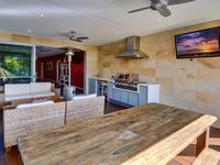Lux Lanai with oudoor furniture & BBQ (Fully Screened & Overlooking Pool)