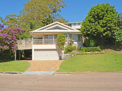 'By the Bay', 9 Kanangra Avenue - bring the dog & the boat