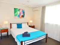 Main Bedrooms,Queen size bed, Quiet Air-conditioning, ceiling fan, Wardrobes